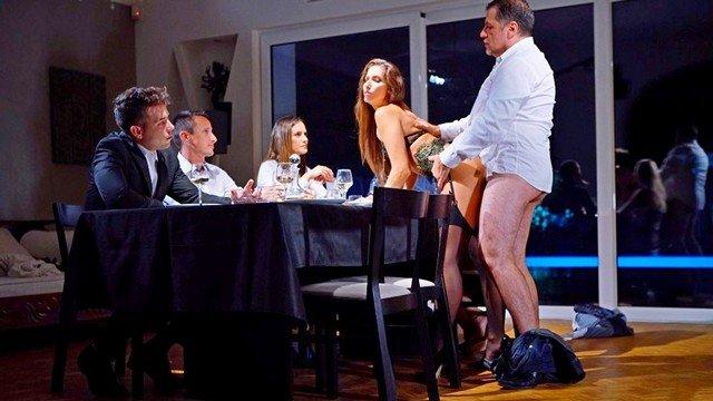 Смотреть Порно Смазливая красавица ебется во все дырки желая оказаться в обществе богатых извращенцев видео