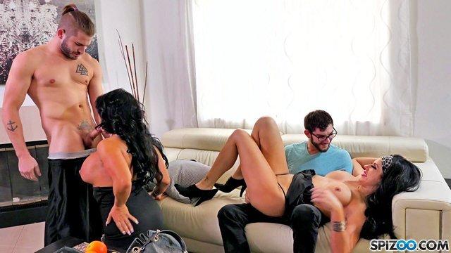 Смотреть Порно Фильмы Двум задротам выпал случай потрахаться с двумя грудастыми сосками и они его не упустили видео