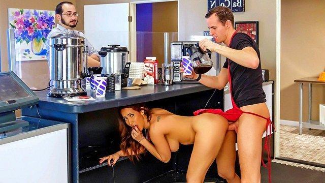 Смотреть Порно Фильмы Грудастой милфе вместо сливок в кофе захотелось отведать густой спермы видео