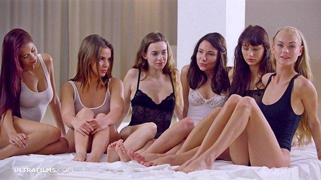 Смотреть Бесплатное Порно Команда из шести пестрых девок готова до оргазма заласкать любую движущуюся цель видео
