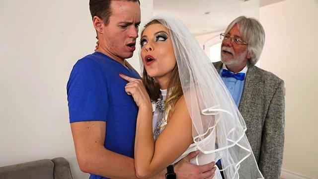 Порно Смотреть Хитрая сучка вышла замуж по очень продуманному расчету, получив и деньги и член видео