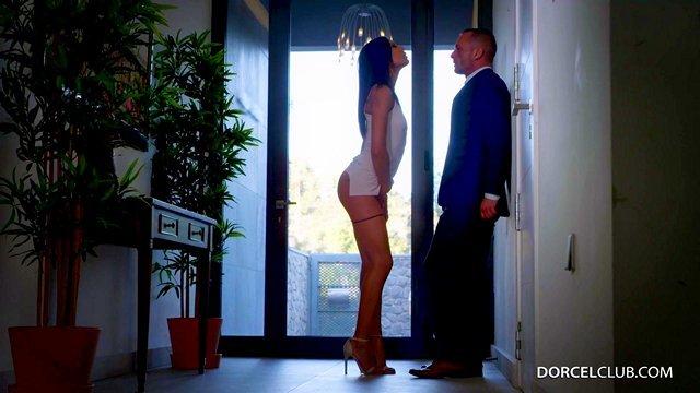 Смотреть Бесплатно Порно Милфа показа своему любовнику как люди трахаются в столице любви — Париже видео