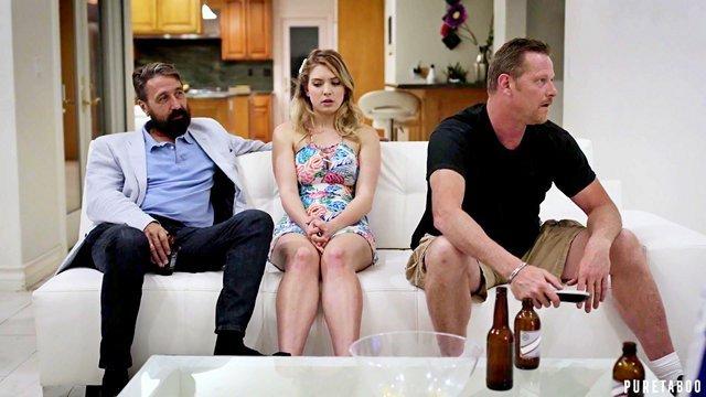 Смотреть Порно Фильмы Взрослый мужик совратил дочку своего друга, пока он был занят важной встречей видео