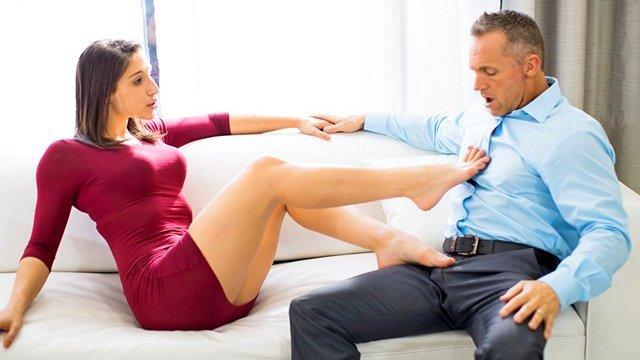 Смотреть Бесплатно Порно Супруги делятся впечатлениями после свингерского секса и возбуждаются все больше и больше, эротика для женщин видео