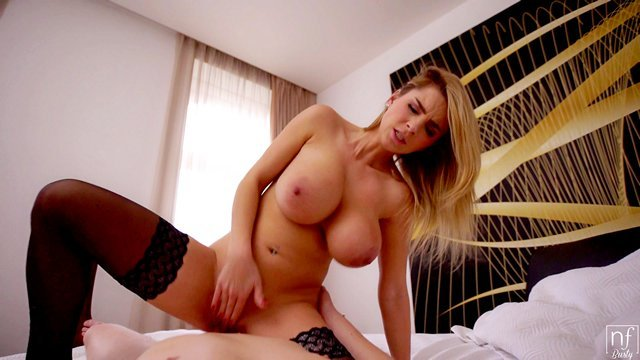 Смотреть Бесплатно Порно Натуральновыращенные бидоны сносной давалки были пропущены между членом видео