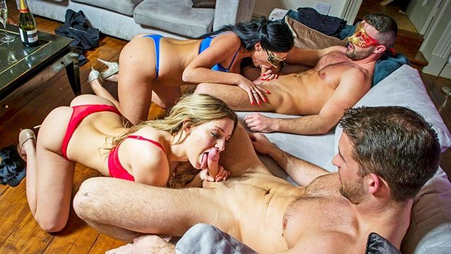 Смотреть Порно Фильмы Вульгарные подружки устроили свингерскую групповуху с похотливыми мужьями видео