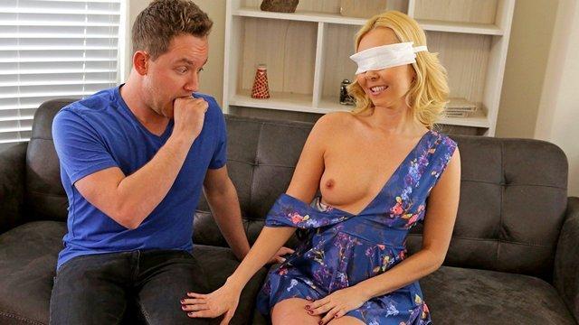 Смотреть Порно Онлайн Сын прикинулся отцом и выебал незрячую мать в душе и на супружеской койке видео
