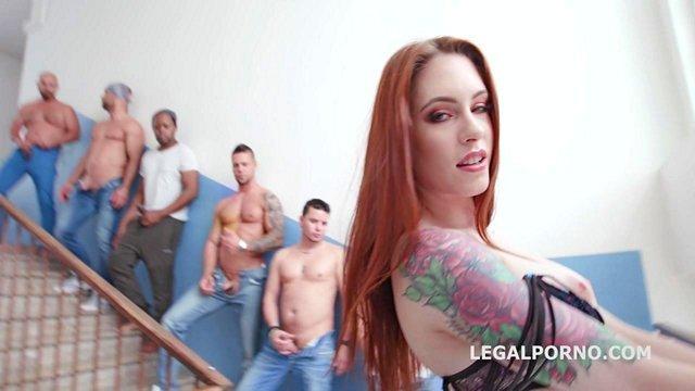 Смотреть Порно без Регистрации Семеро возбудившихся мужчин устраивают бешеный гэнг-бэнг с рыжей нимфоманкой видео