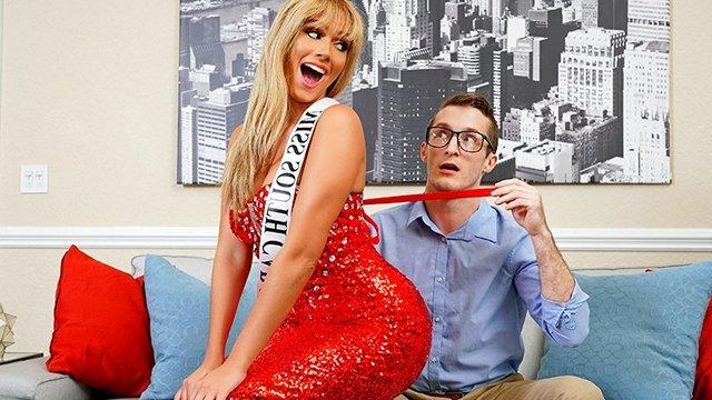 Смотреть Порно Онлайн Участница конкурса красоты Афина Паломино отсосала судье конкурса красоты, чтобы стопудово выиграть видео