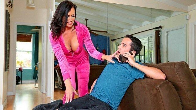 Смотреть Порно Ролики Худощавый паренек качественно выебал зрелую дамочку большим членом до оргазма видео