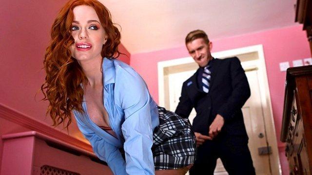 Смотреть Секс Секретарша решилась на анал ради продвижения по карьерной лестнице видео