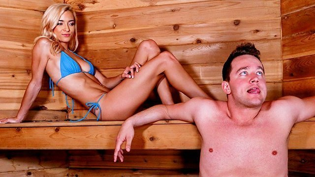 Смотреть Порно Ролики Худенькая блондиночка жарко ебется в киску с озабоченным пареньком в сауне видео