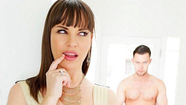 Смотреть Порно Развращенный парень шантажом заставил сексуальную мачеху трахаться в тугую жопу видео