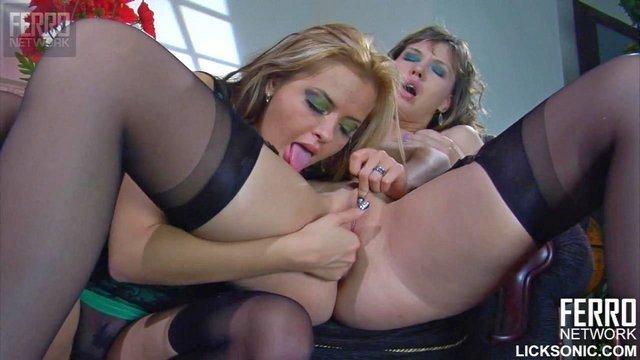 Порно Смотреть Сисястая нимфоманка развела плоскогрудую потаскушку на лесбийский секс видео